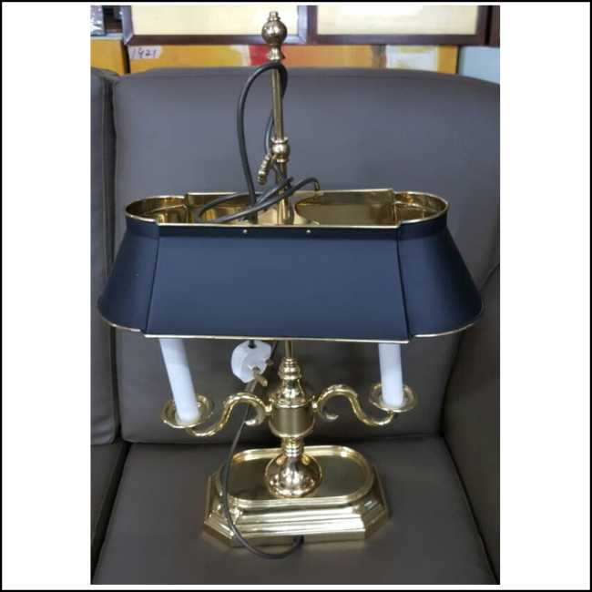 Second Hand Item Kakilelong Table Lamp X12 Kaki Lelong Preloved Reloved