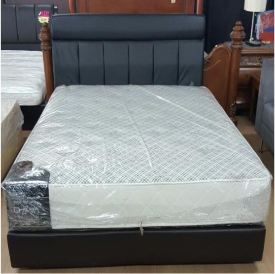 Queen size with divan and mattress pj f 002 kaki lelong for Queen size divan