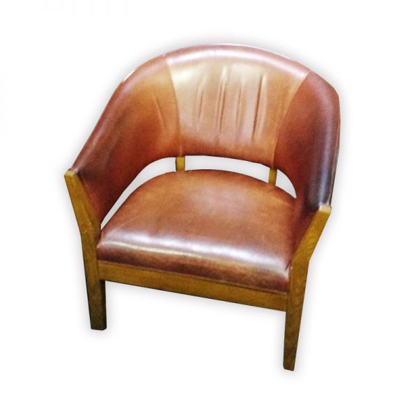 Traditional Leather Fauteuille