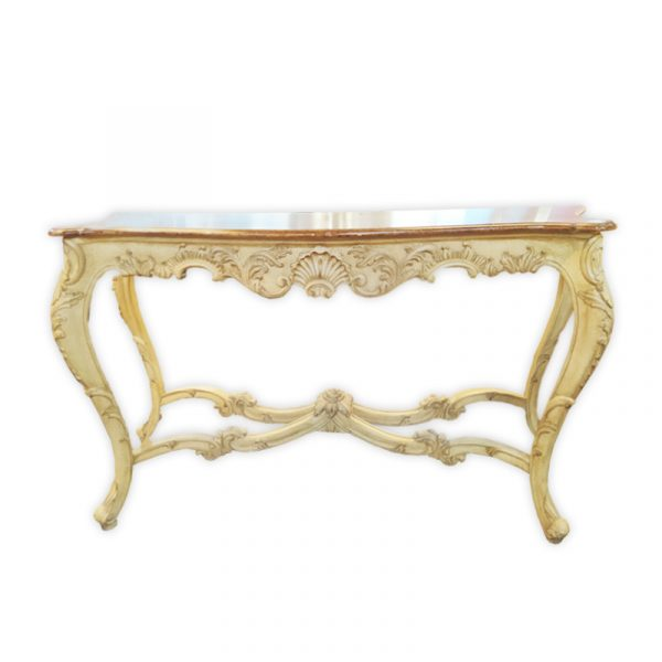 5-Star Royal Suite, Console Table